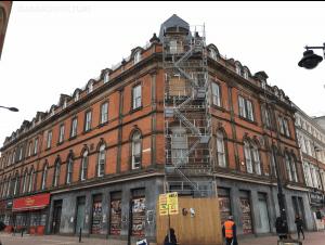1-7 St James Street during window repairs