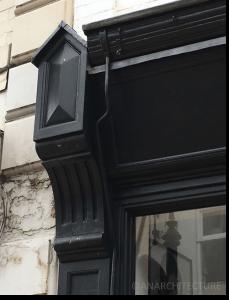 Renewed pilaster capital